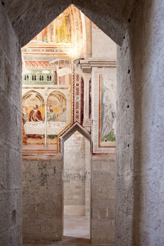 Affreschi del quattrocento nelle cappelle laterali della chiesa di San Fortunato