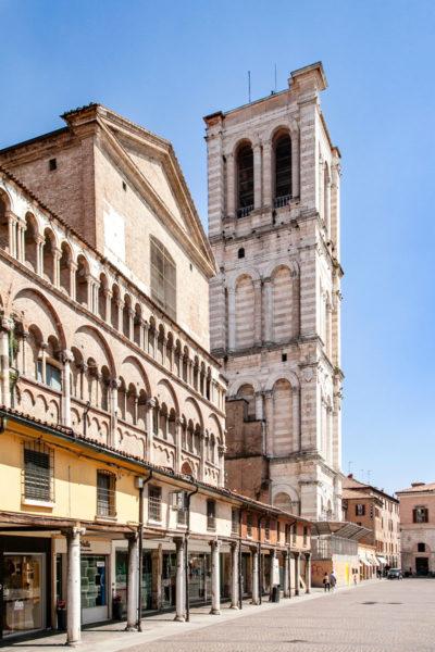 Campanile del duomo di Ferrara in Marmo