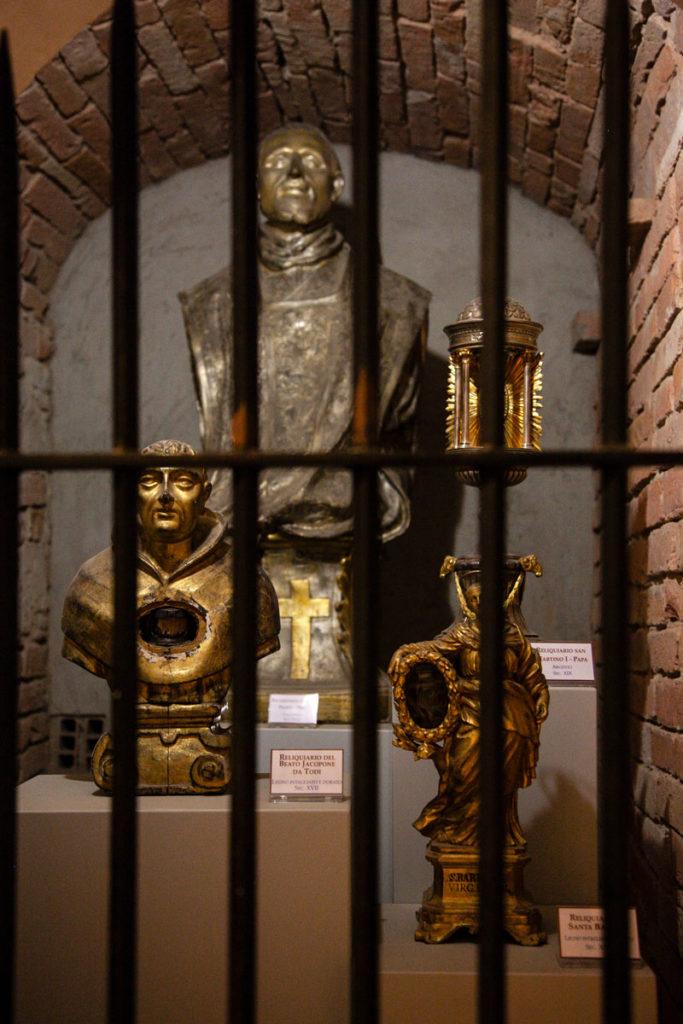Cappelle con reliquiari nel duomo di Todi