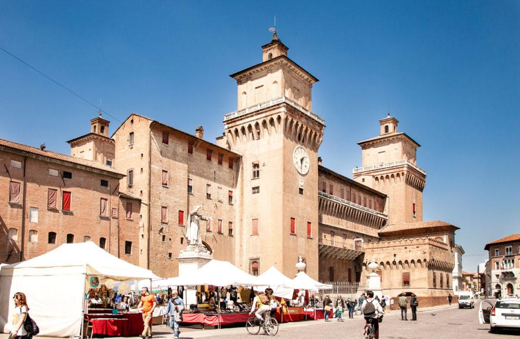 Castello Estense di Ferrara - Torre con Orologio