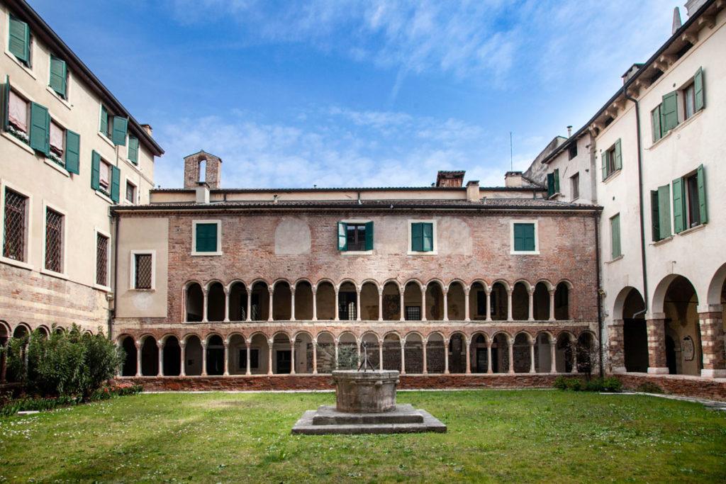 Chiostro dei Canonici - Duomo di Verona