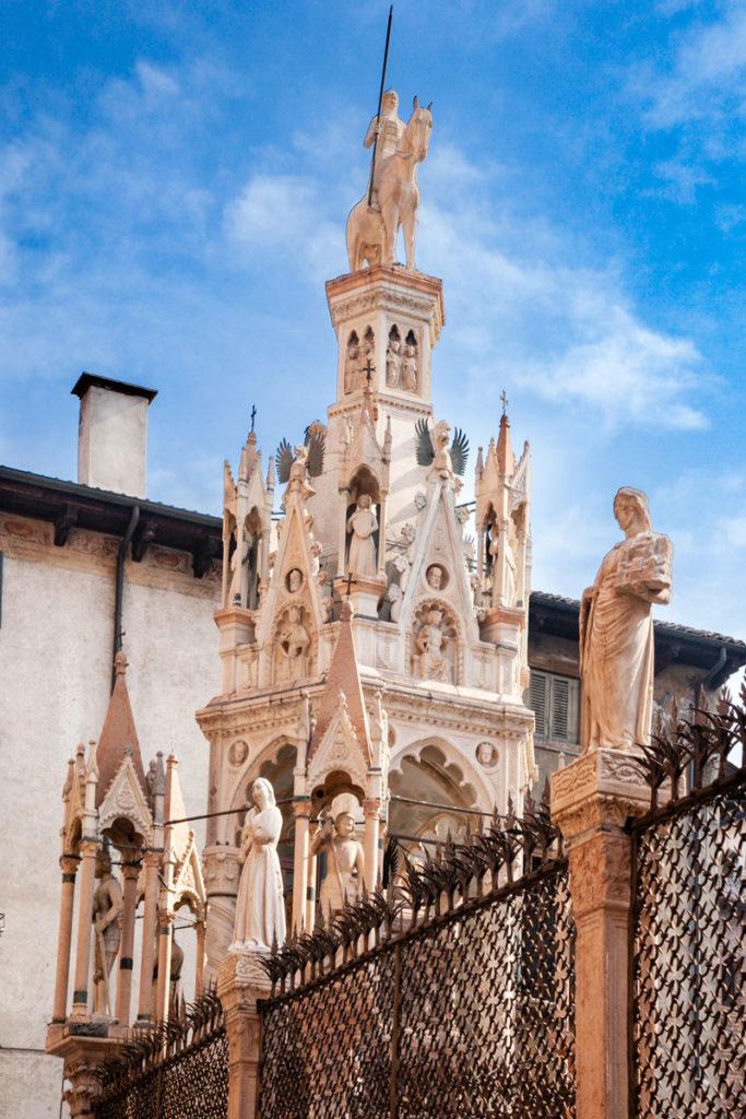 Dettaglio Arca Scaligera di Cansignorio