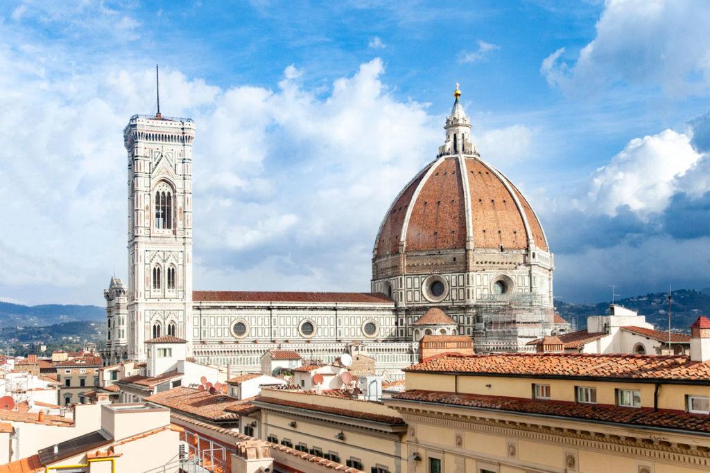 Duomo di Firenze visto dal Museo Orsanmichele