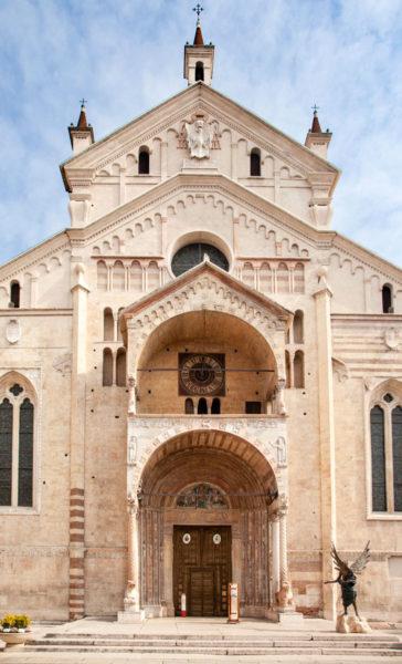 Facciata del Duomo di Verona
