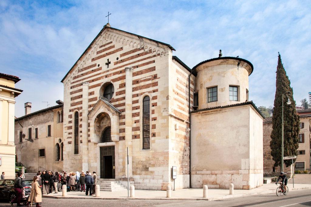 Facciata della Chiesa di Santo Stefano a Verona