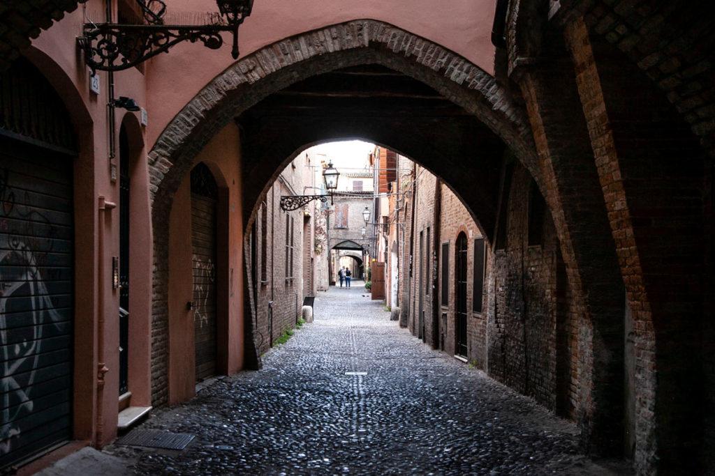 Ferrara - Via delle Volte - Città Medievale