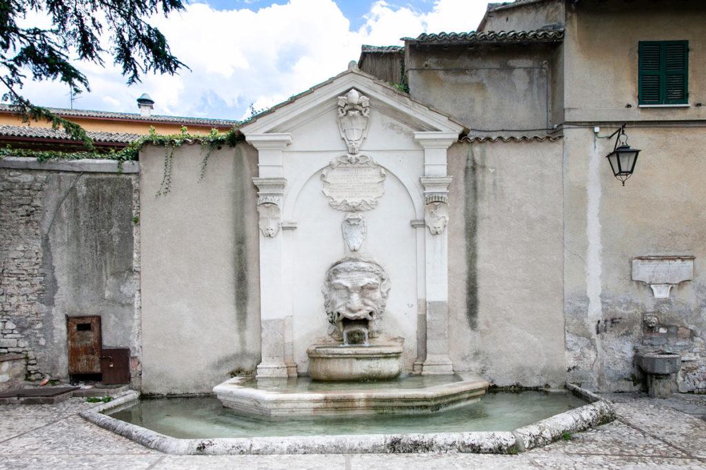 Fontana del Mascherone - Cosa Vedere a Spoleto