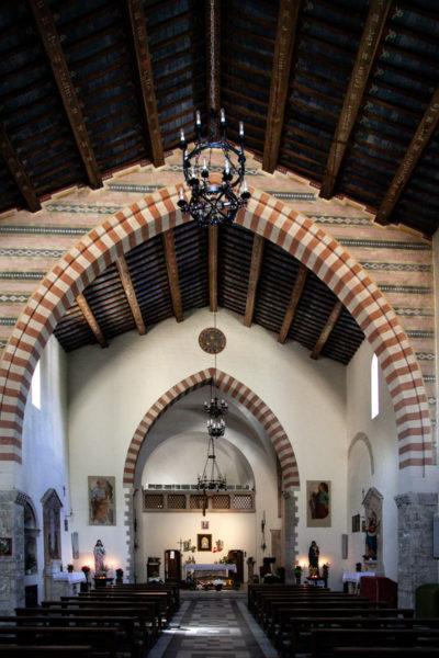 Interni della chiesa di San Nicolò - Todi