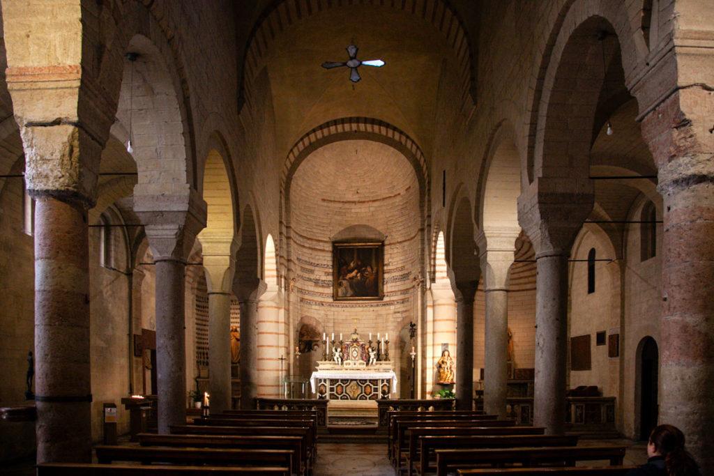Interni della chiesa rettoriale di Santa Maria Antica di Verona