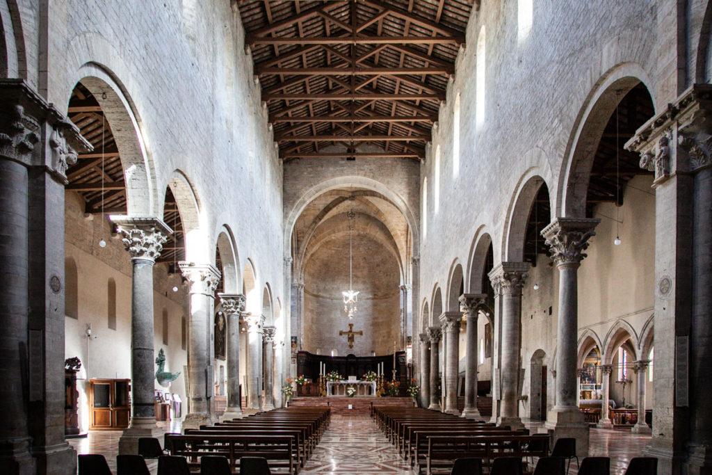 Navate Interne del duomo di Todi - Concattedrale della Santissima Annunziata