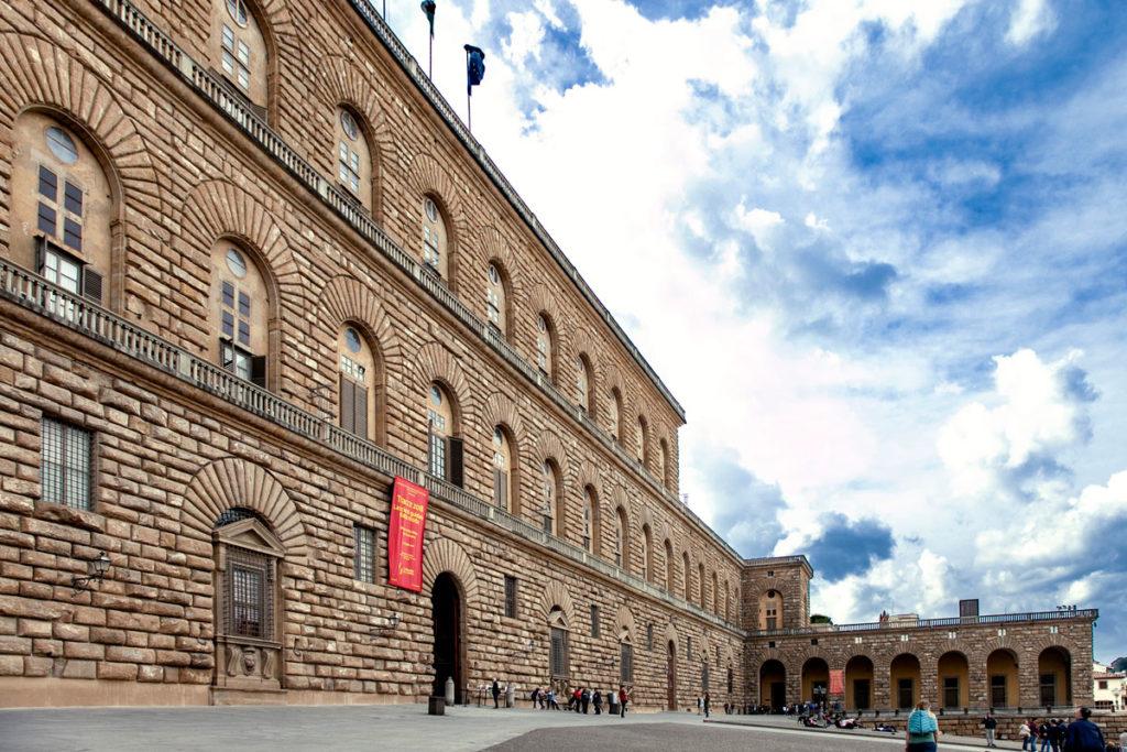 Palazzo Pitti su piazza de' Pitti di Firenze - Musei d'Arte