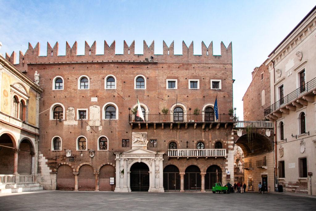 Palazzo del Podestà in piazza dei Signori a Verona