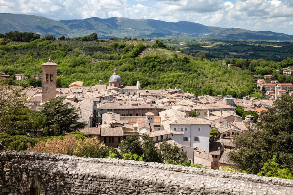 Panorama sul centro di Spoleto dalla Rocca cittadina