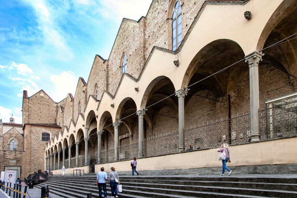 Pinzochere - Porticato Laterale Basilica di Santa Croce