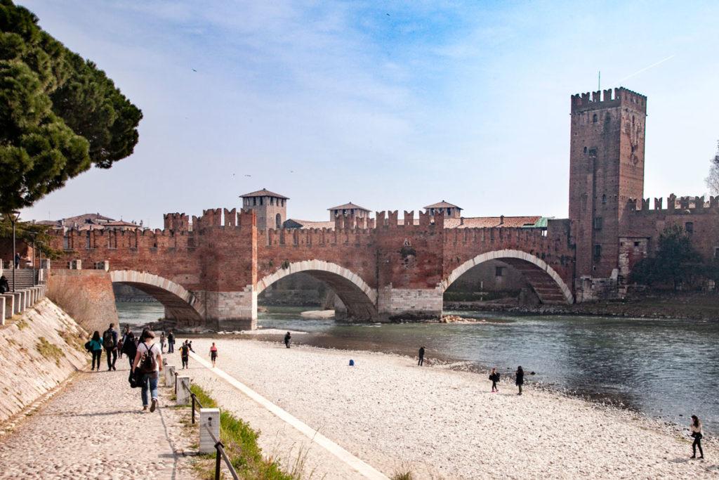 Ponte di Castelvecchio sul fiume Adige - Verona