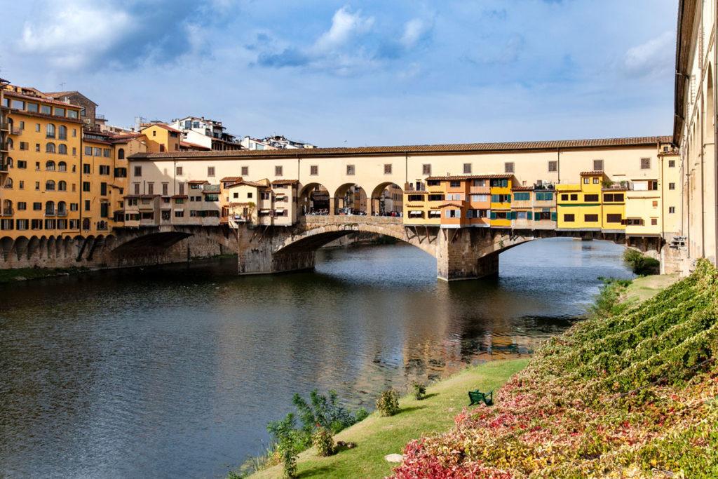 Ponte vecchio di Firenze sul fiume Arno
