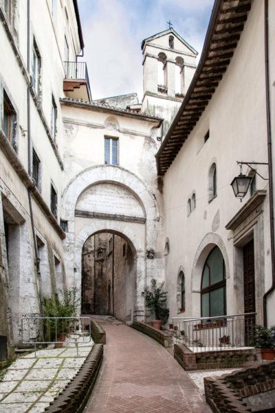 Porta Fuga - porta storica della città di Spoleto