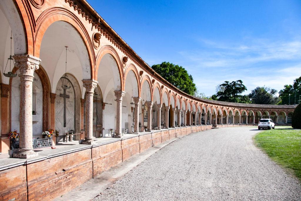 Porticati del cimitero monumentale della Certosa di Ferrara