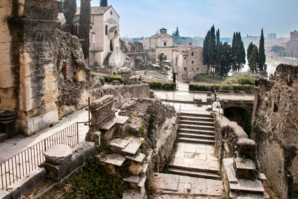 Resti Archeologici del Teatro Romano di Verona - I secolo AC
