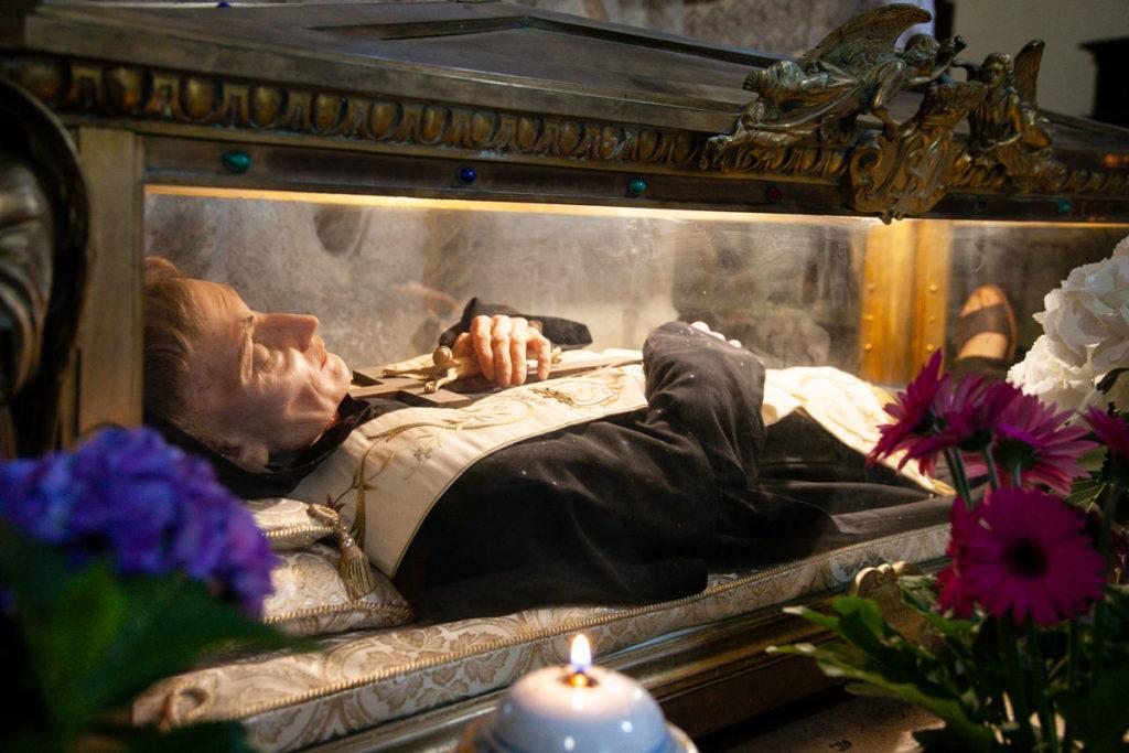 Riproduzione di San Nicolò sotto all'altare