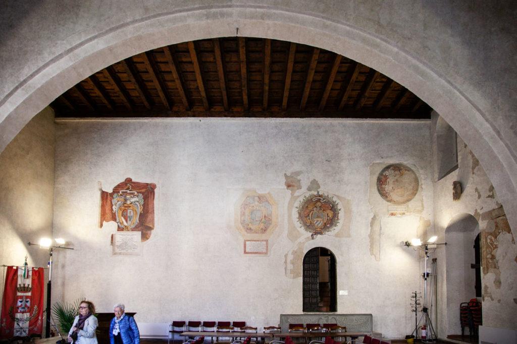 Sala del Capitano del Popolo e i suoi affreschi - Todi