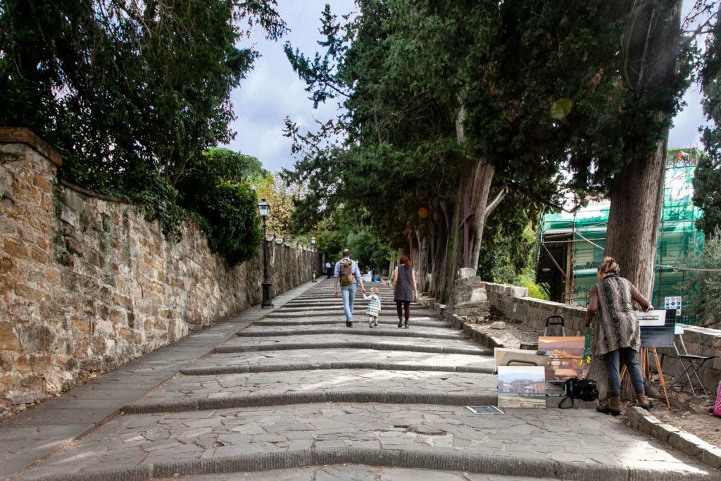 Salita verso il piazzale Michelangelo di Firenze