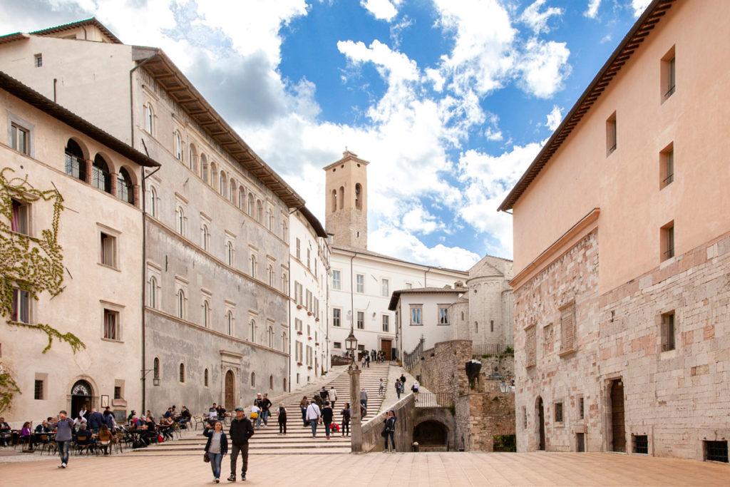 Scalinata di piazza del Duomo a Spoleto