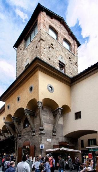 Torre dei Manelli - Ingresso al Ponte Vecchio di Firenze e Corridoio Vasariano
