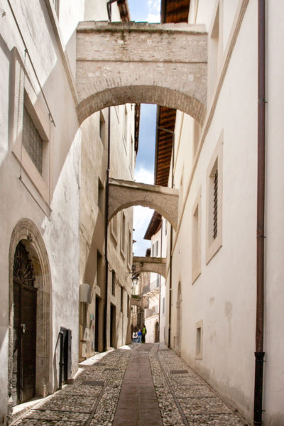 Via di Visiale - Archi e Casa Romana