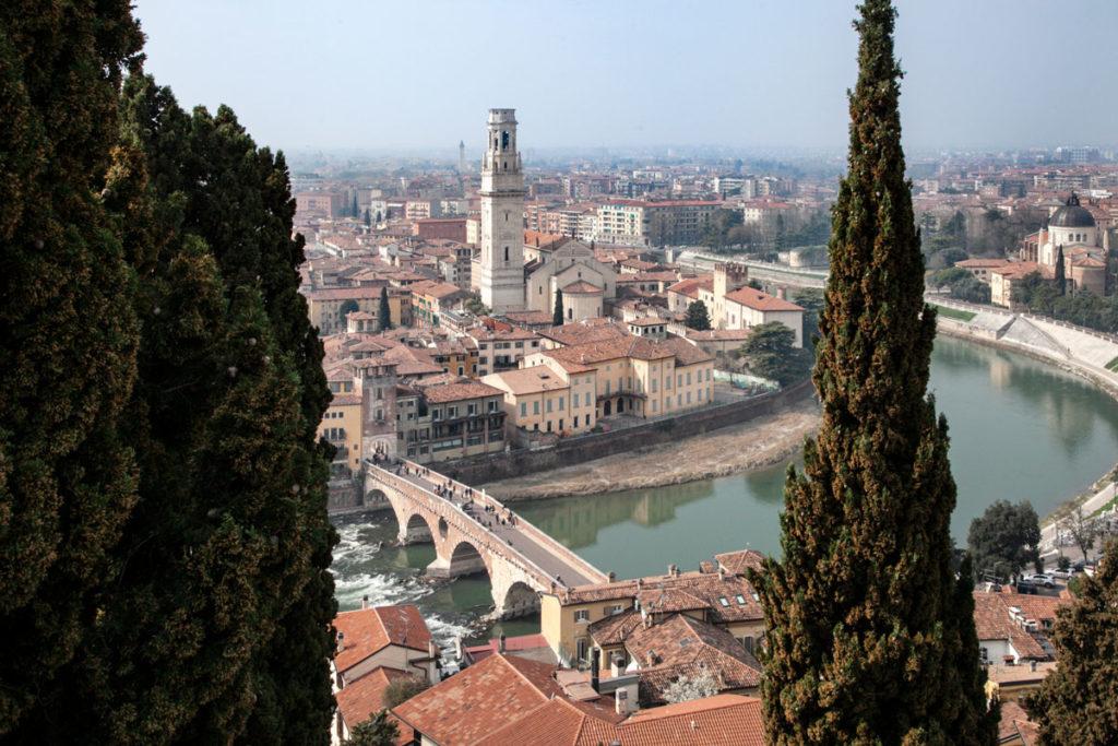Vista Panoramica su Verona dal Castel San Pietro