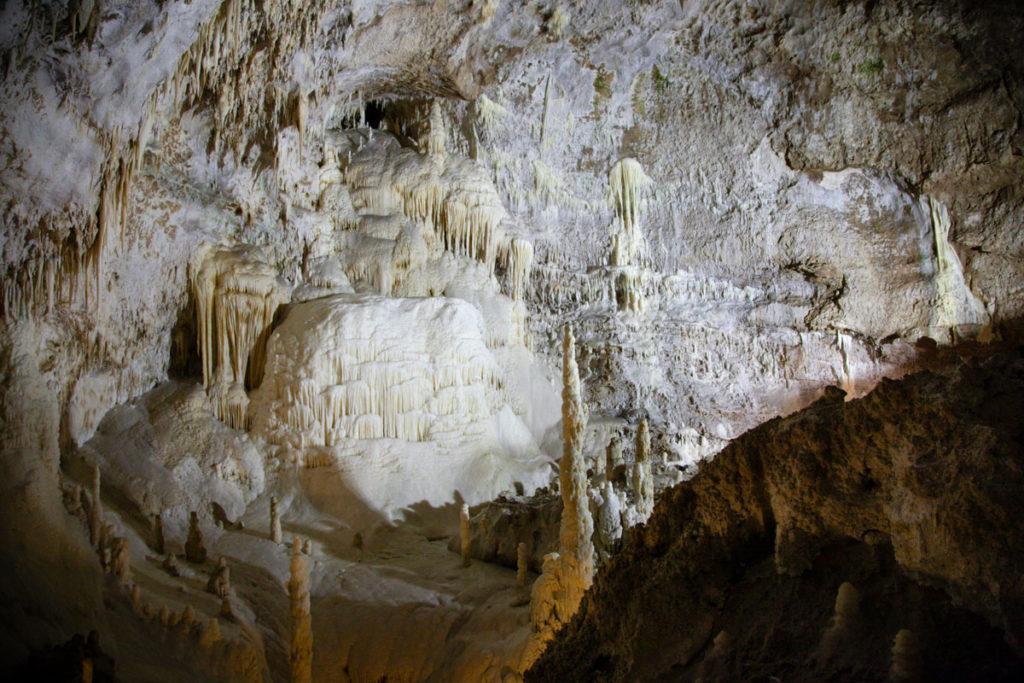 Cascata del Niagara - Formazione dentro alle grotte di Frasassi