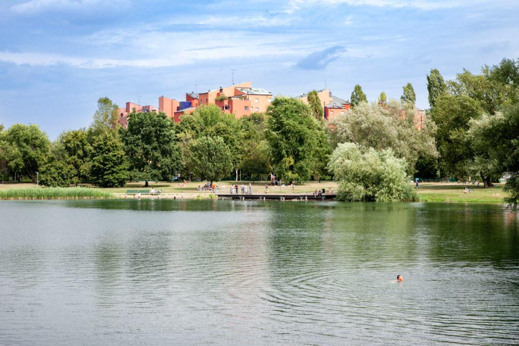 Cava Cabassi e le case dietro al parco