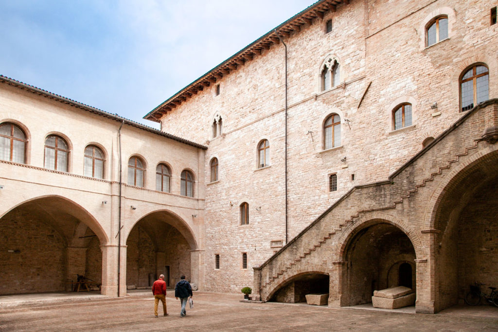 Cortile Interno di Palazzo Trinci