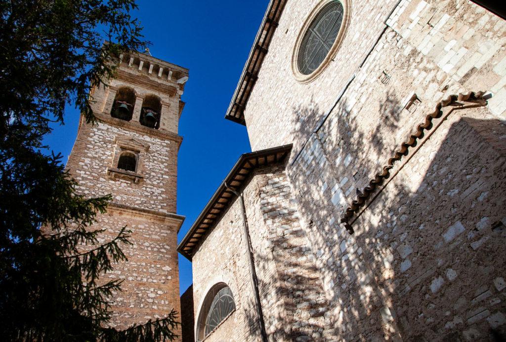 Duomo e campanile - Chiesa di Sant'Emliano a Trevi