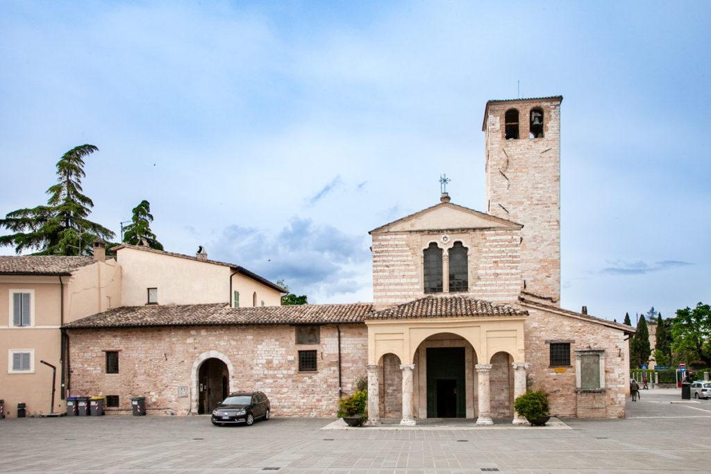 Facciata Basilica di Santa Maria Infraportis - Foligno