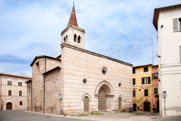 Facciata della Chiesa di San Salvatore a Foligno