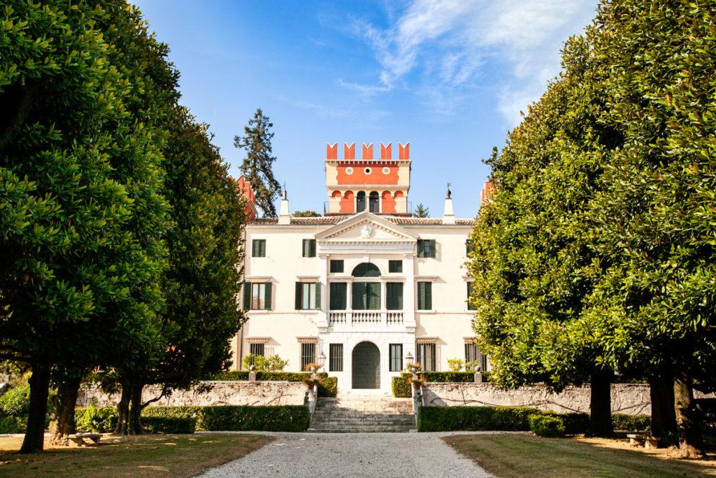 Facciata di Villa Albertini - Garda
