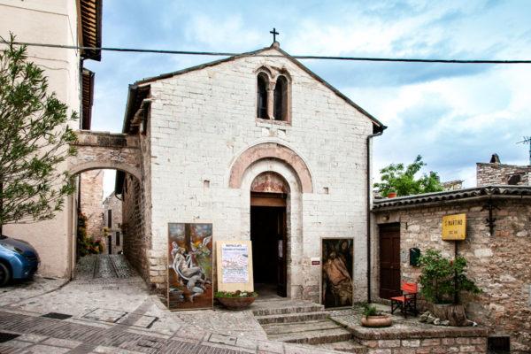 Facciata esterna della chiesa di San Martino a Spello