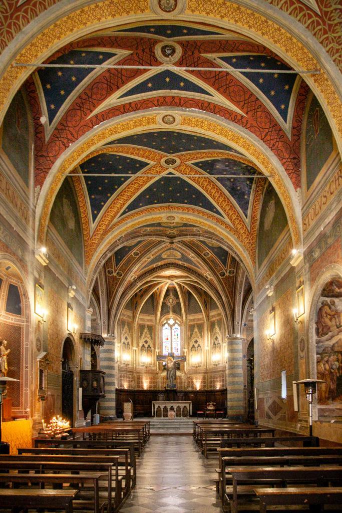Interni della chiesa di Sant'Andrea