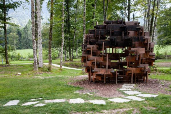 Kodama di Kengo Kuma - Struttura in legno incastrata