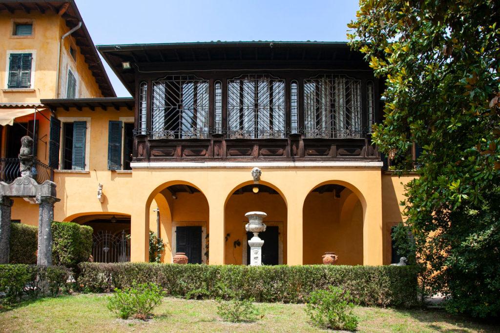 La Prioria vista dai giardini - Casa di Gabriele d'Annunzio - Vittoriale degli Italiani