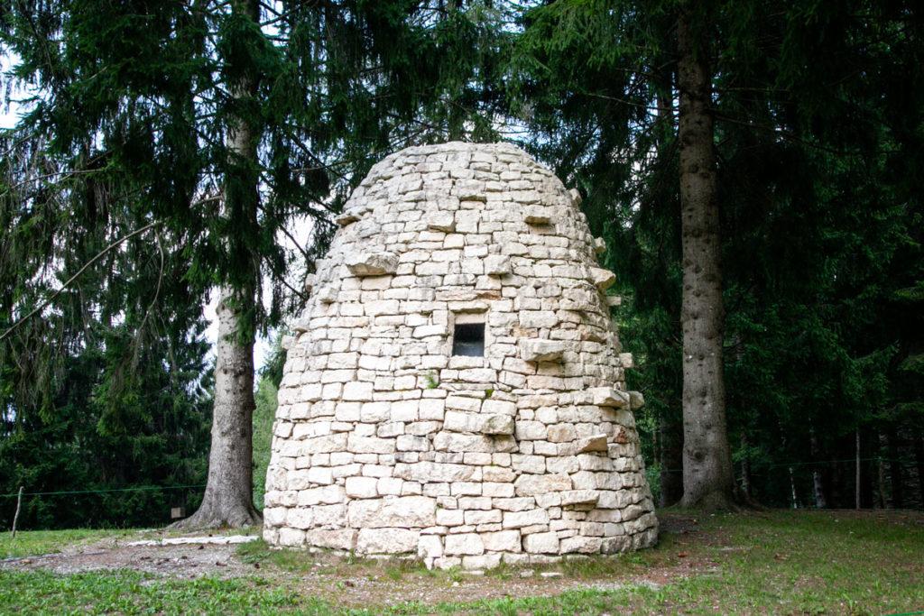 La stanza del cielo - Finestra nella struttura in pietra
