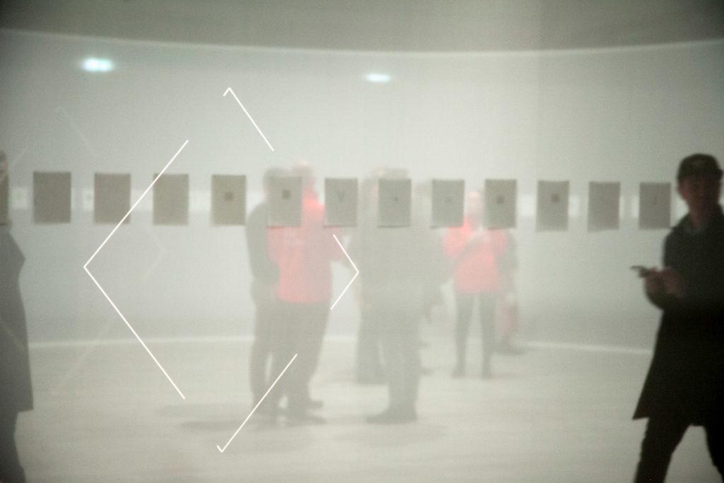 Le proiezioni di Daniel Steegmann Mangrané - Kiti Ka'aeté (Lines)