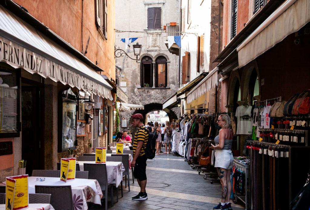 Locali e Negozi su Corso Vittorio Emanuele a Garda
