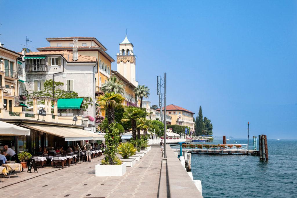 Lungolago Gabriele d'Annunzio a Gardone Riviera