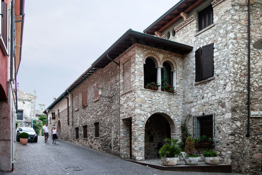 Palazzi storici in centro a Sirmione