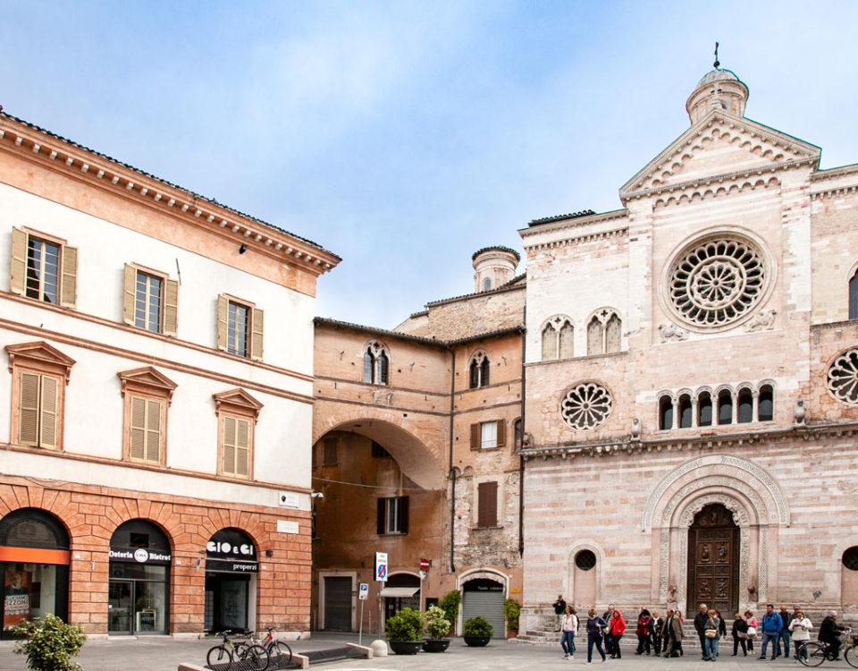 Palazzo Trinci e Arco di collegamento al Duomo