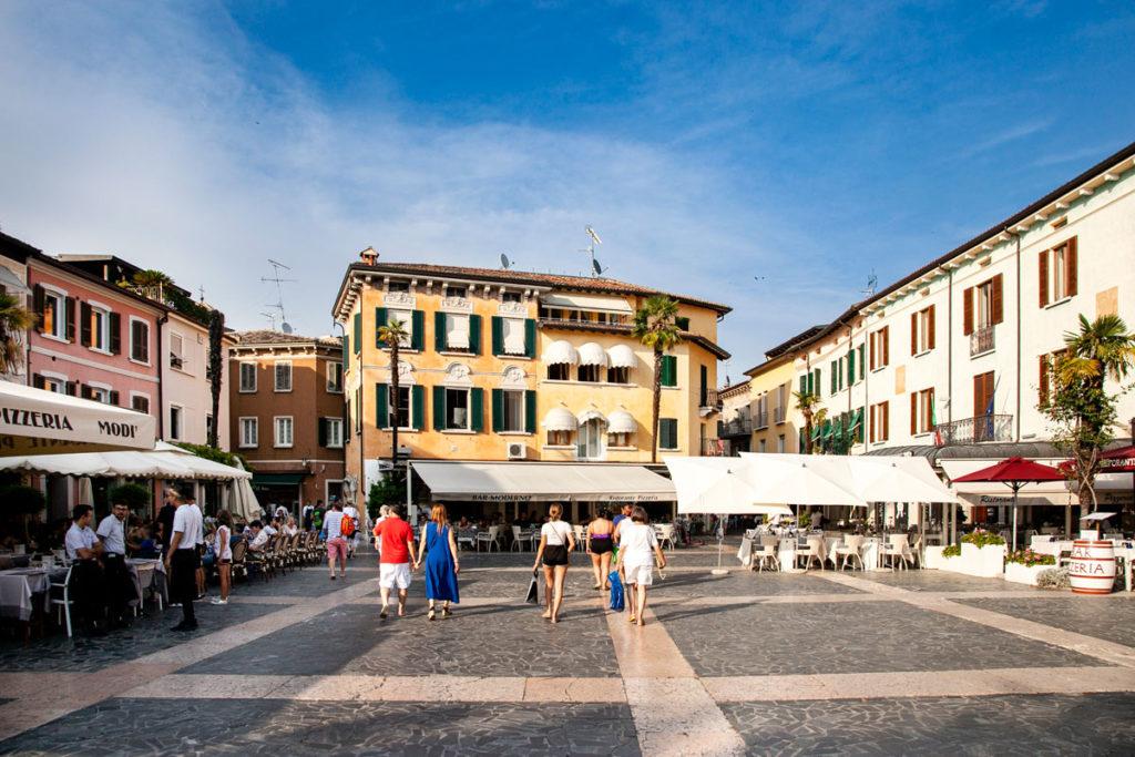 Piazza Carducci - Arrivo a Sirmione
