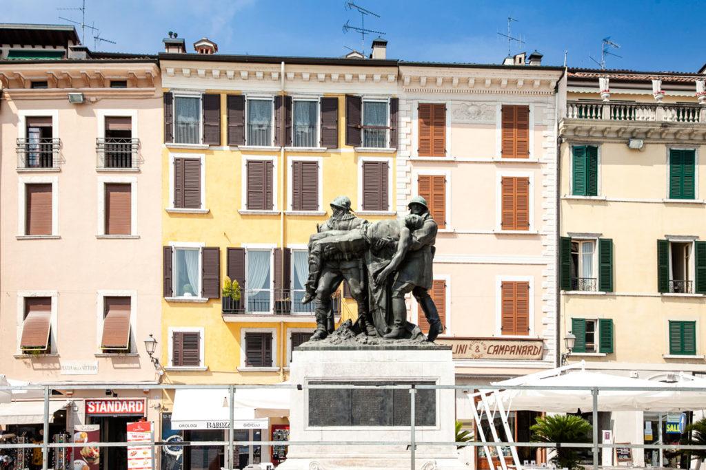 Piazza della Vittoria e Monumento ai Caduti