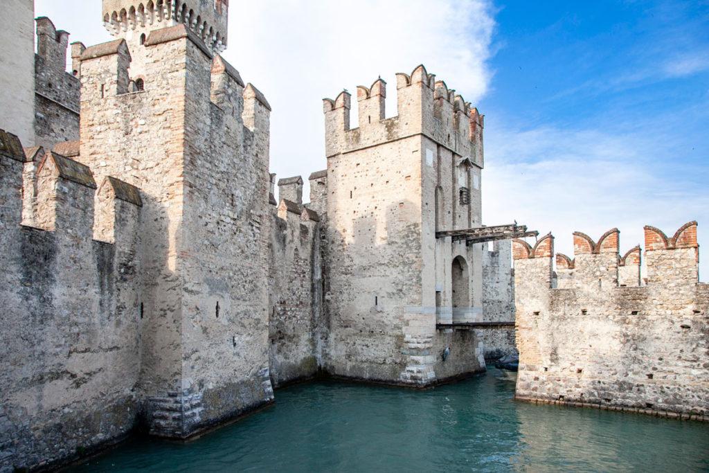 Ponte levatoio del castello scaligero di Sirmione